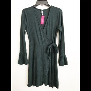 NWT XHILARATION GREEN WRAP DRESS SIZE MEDIUM